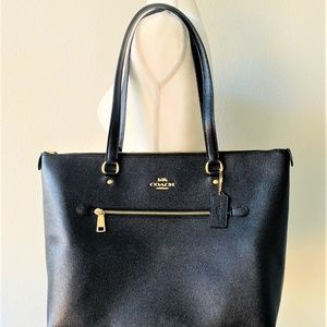 NWT Coach Gallery Tote Signature Canvas Leather